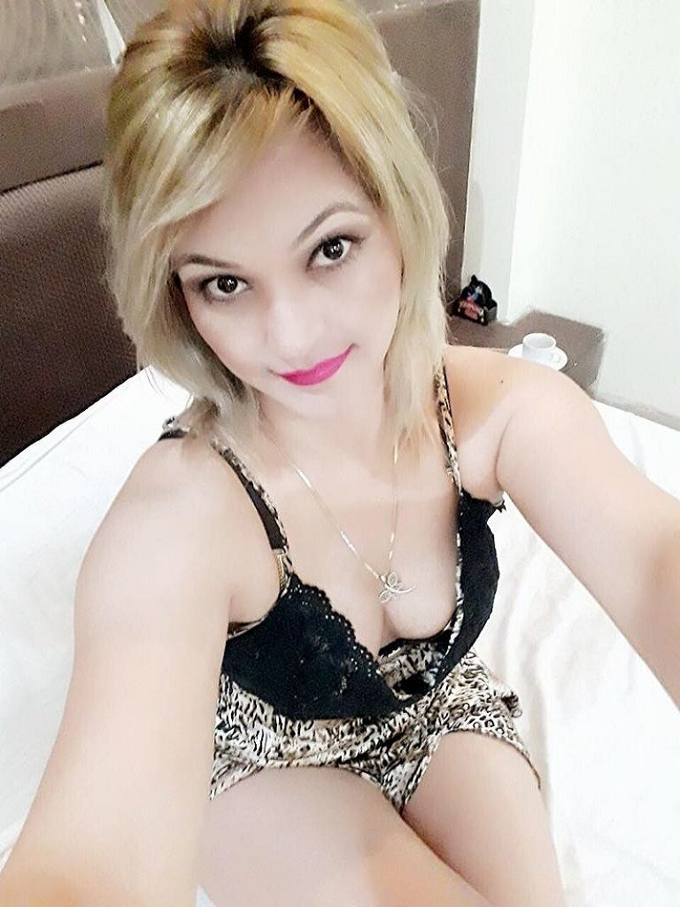 HOUSEWIFE ESCORTS IN DWARKA