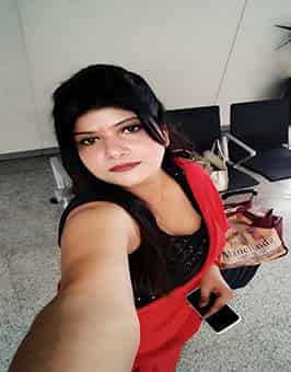HOUSEWIFE IN DWARKA